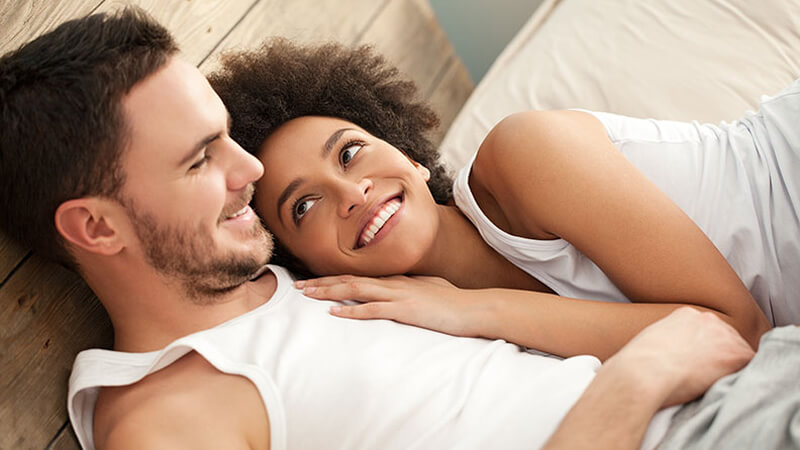 Mann und Frau glückliches Paar