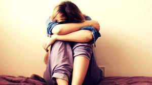 Mädchen ist traurig nach Trennung